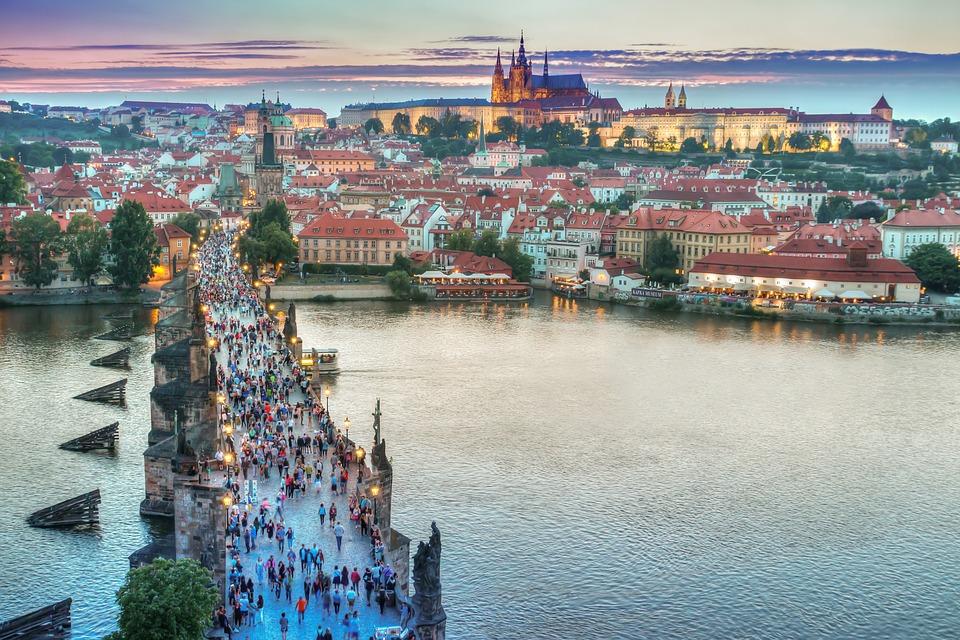 Kolik obyvatel žije v Praze nyní?