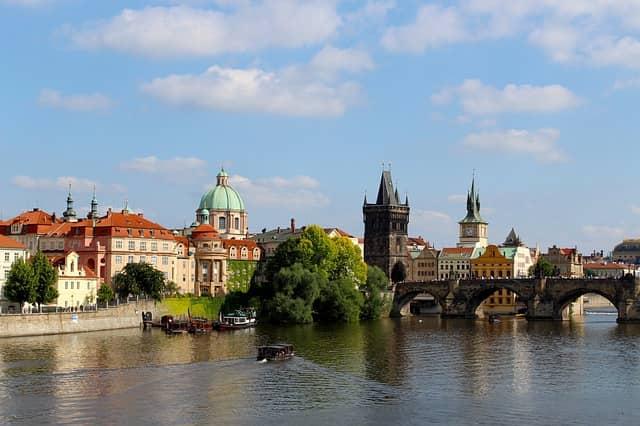 Návštěv ze zahraničí v Praze přibývá. Jaké jsou statistiky