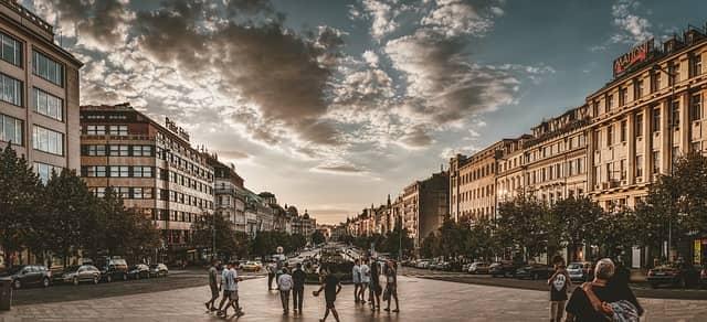 Návštěv ze zahraničí v Praze přibývá