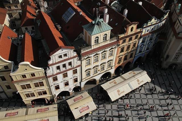 Parkovací místa v Praze děsí čím dál, tím větší počet obyvatel a návštěvníků