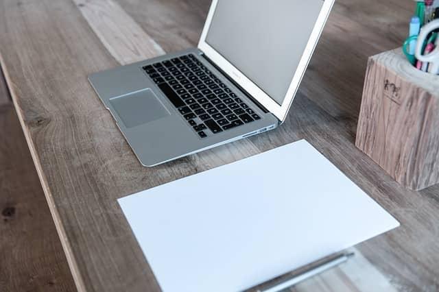 Výhody a nevýhody skrývající se v online úvěrech